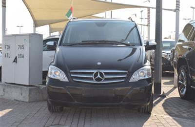 MERCEDES-BENZ VIANO- 2014- BLACK- 129 000 KM- GCC SPECS