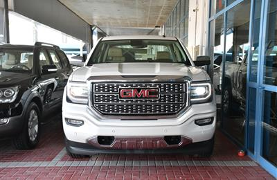 GMC DENALI PICK UP- 2017- WHITE- 72 000 KM- GCC SPECS