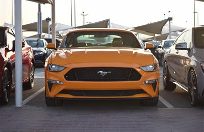 FORD MUSTANG- 2018- ORANGE- 14 000 MILES- AMERICAN SPECS