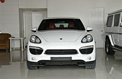 PORSCHE CAYENNE  MODEL 2014 - WHITE - 200,000 KM - V8 -...