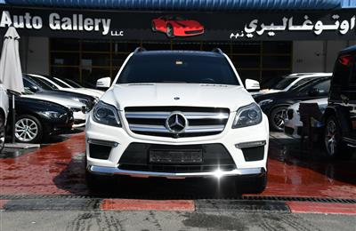 MERCEDES-BENZ GL500- 2015- WHITE- 90 000 KM- GCC SPECS