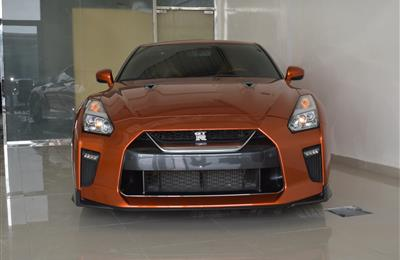 NISSAN GTR- 2017- ORANGE- 19 000 KM- GCC