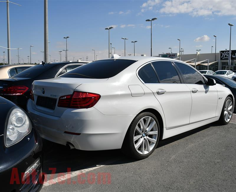BMW 535i MODEL 2011 - WHITE - 179000 KM - V6 - GCC