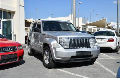 JEEP CHEROKEE MODEL 2010 - SILVER - 243000 KM - V6 - GCC