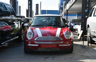 MINI COOPER- 2004- RED- 144 000 KM- GCC SPECS