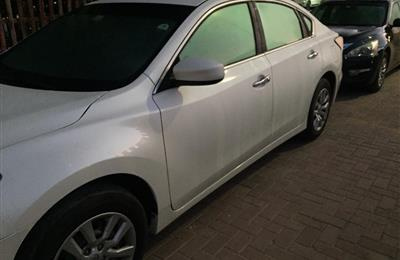 very good condition white NISSAN ALTIMA for sale