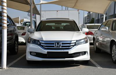 HONDA ACCORD- 2016- WHITE- 56 000 KM- GCC SPECS
