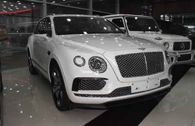 BENTLEY BENTAYGA MODEL 2017 - WHITE - 135,000 KM - V12 -...