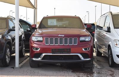 jeep model 2014 - red - 176000 km - v6 - gcc