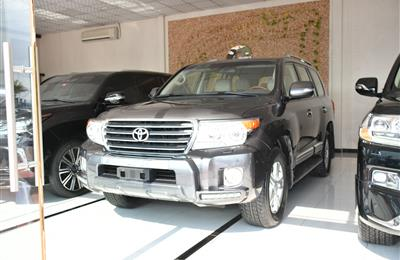 LAND CRUISER GXR- 2015- GRAY- 90 000 KM- GCC SPECS