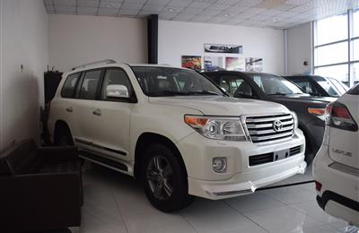 LAND CRUISER VXR 5.7 V8- 2015- WHITE- 100 000 KM- GCC...