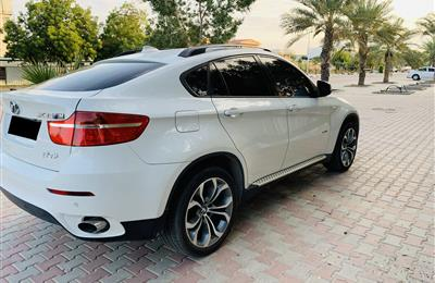 AGMC BMW X6 GCC , no accident, very clean no scratches