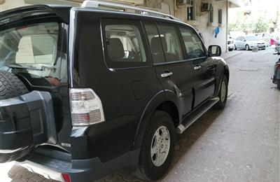 Mitsubishi pajero 2008 full options