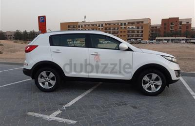 Kia Sportage 2012,white, in very good condition for AED...