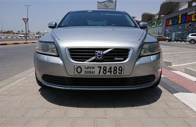 Volvo S 40 R-Design 2009 with great condition GCC