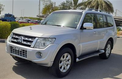 Top mitsubishi pajero 2013 gcc 3.5 excellent condition