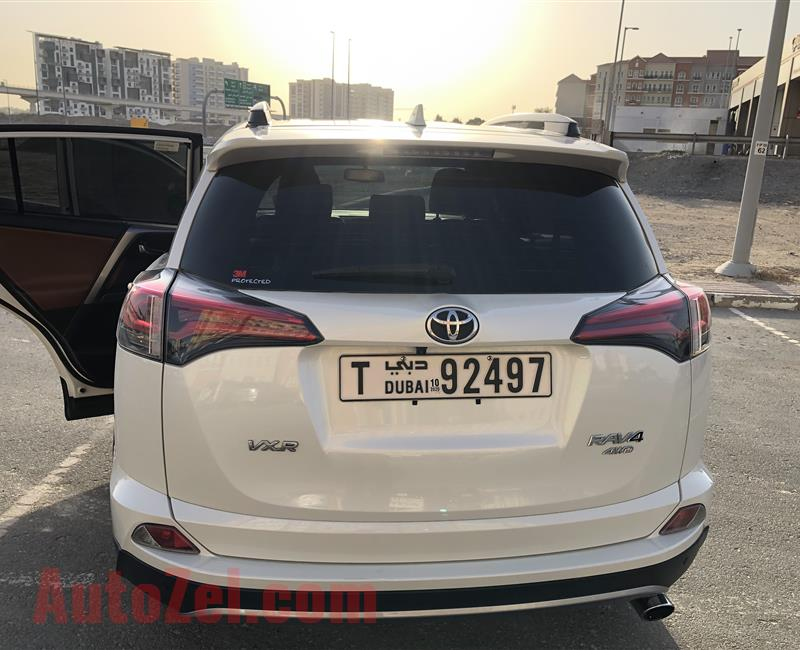 TOYOTA RAV4 2018 4WD excellent condition