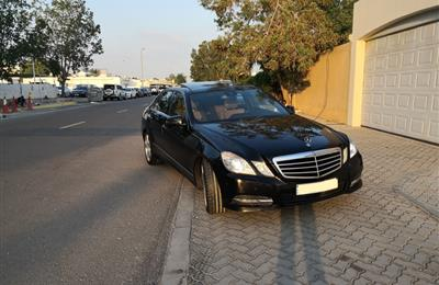 Mercedes-Benz E-300 Avantgarde, 3.0L Full Option, GCC...