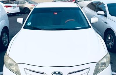 TOYOTA CAMRY-2009 MODEL URGENT SALE-12000 AED