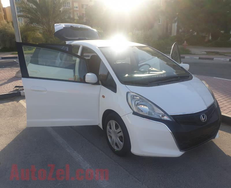 HONDA JAZZ 2013 GCC SPECS FOR SALE