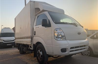 For sale kia pickup K4000G 2 ton Diesel engine model 2011...
