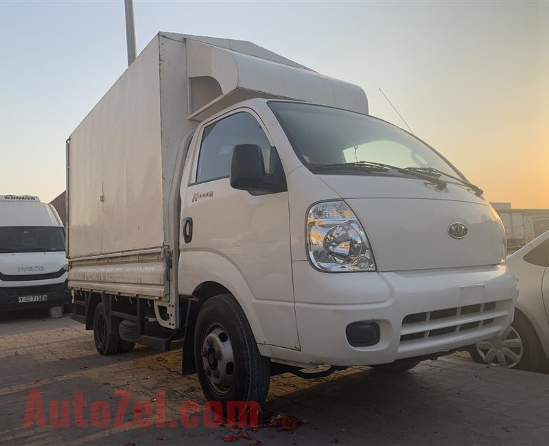 For sale kia pickup K4000G 2 ton Diesel engine model 2011 in good condition