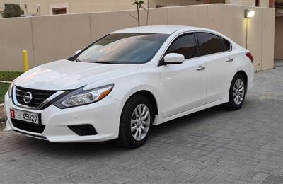 Nissan Altima 2.5 SV Gcc 2017 extremely clean car
