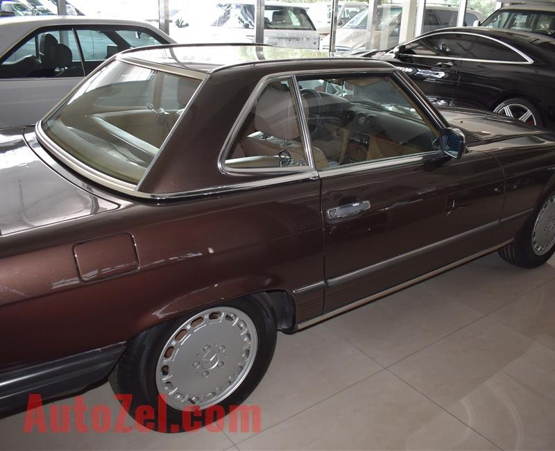 MERCEDES-BENZ SL560- BROWN COLOR